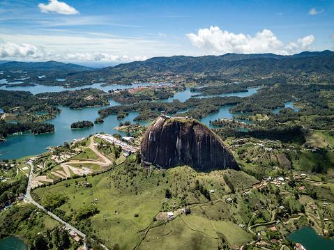 Colombia「Beautiful shot of El Peñol of Guatape in Colombia」:スマホ壁紙(10)