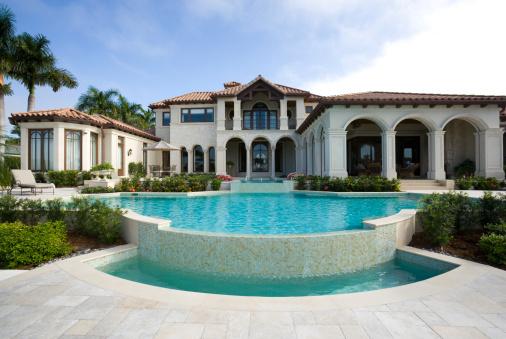 Palm tree「Beautiful Swimming Pool at an Estate Home」:スマホ壁紙(17)