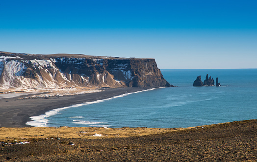 Dyrholaey「Beautiful scene of Reynisdrangar from Dyrholaey, Iceland」:スマホ壁紙(4)