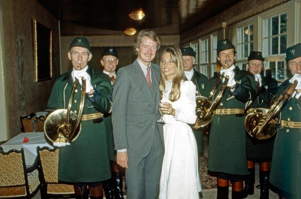 Bride「Von Bismarck-Schˆnhausen」:写真・画像(12)[壁紙.com]