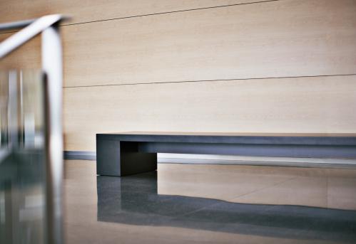 Bench「Bench in modern office lobby」:スマホ壁紙(14)