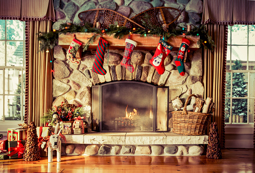 Christmas「Stone fireplace decorated for Christmas」:スマホ壁紙(15)