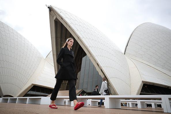 Number 18「Mercedes-Benz Presents Dion Lee - Backstage - Mercedes-Benz Fashion Week Australia 2017」:写真・画像(15)[壁紙.com]