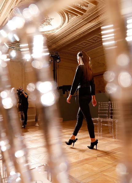 Tristan Fewings「Burce Bekrek - Backstage - Mercedes-Benz Fashion Week Istanbul - March 2017」:写真・画像(4)[壁紙.com]
