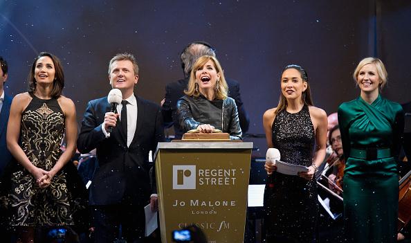 Eamonn M「Darcey Bussell Switches On The Regent Street Christmas Lights」:写真・画像(17)[壁紙.com]