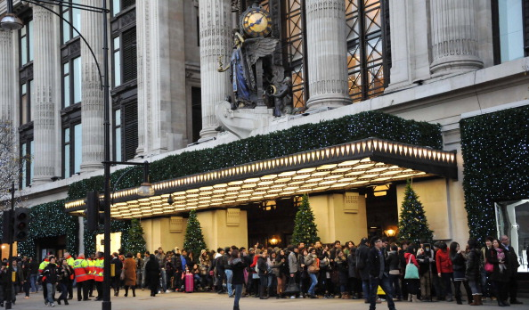 Oxford Street「New West End - Boxing Day Sales on Oxford Street - December 26, 2011」:写真・画像(12)[壁紙.com]