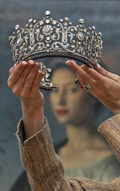 Princess Margaret's Jewellery To Be Auctioned At Christies:ニュース(壁紙.com)