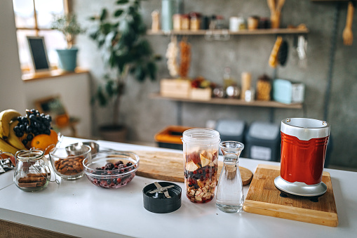 Sweet Food「Preparation for smoothie with fruit and nuts at kitchen」:スマホ壁紙(13)
