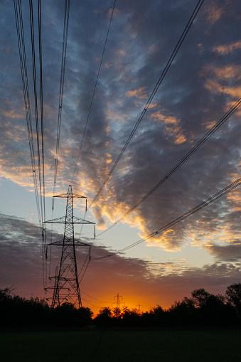 Moody Sky「Power Transmission Lines at Dawn 2」:スマホ壁紙(17)