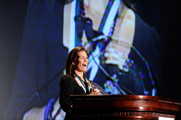 Nancy Kerrigan「The 26th Annual Sports Legends Dinner At The Waldorf Astoria In NYC Benefitting The Buoniconti Fund To Cure Paralysis」:写真・画像(5)[壁紙.com]