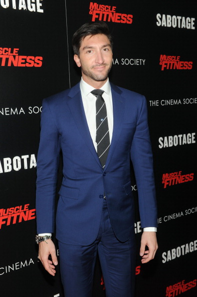 エヴァン ライサチェク「The Cinema Society With Muscle & Fitness Host A Screening Of Open Road Films' 'Sabotage' -  Arrivals」:写真・画像(15)[壁紙.com]