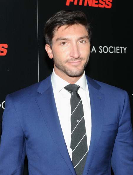 Evan Lysacek「The Cinema Society With Muscle & Fitness Host A Screening Of Open Road Films' 'Sabotage' -  Arrivals」:写真・画像(5)[壁紙.com]