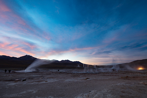 Tatio Geysers「El Tatio geysers at sunrise - third largest geyser field in the world and one of the highest located, at 4,320m, Atacama Desert, Chile, January 20, 2018」:スマホ壁紙(11)