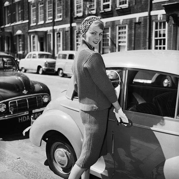 Skirt「Woollen Suit」:写真・画像(4)[壁紙.com]