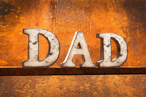 Father's Day「Letters on Rust – DAD」:スマホ壁紙(0)