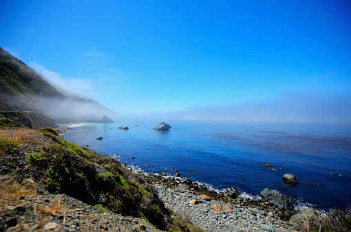 Big Sur「Seascape Of The Pacific Ocean Near Big Sur In California With The Fog Rolling Over The Horizon; California, United States Of America」:スマホ壁紙(10)