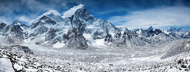 Amazing panorama of Himalayas mountain range on beautiful sunny day:スマホ壁紙(壁紙.com)