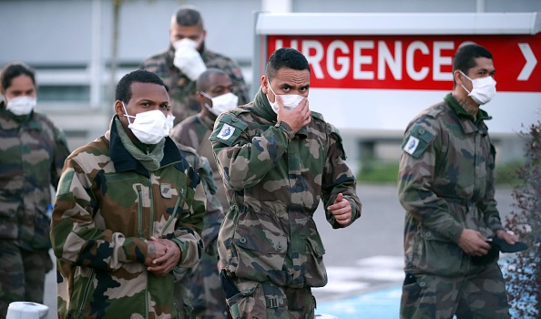 France「French Military Builds Field Hospital To Cope With COVID-19 Cases」:写真・画像(12)[壁紙.com]