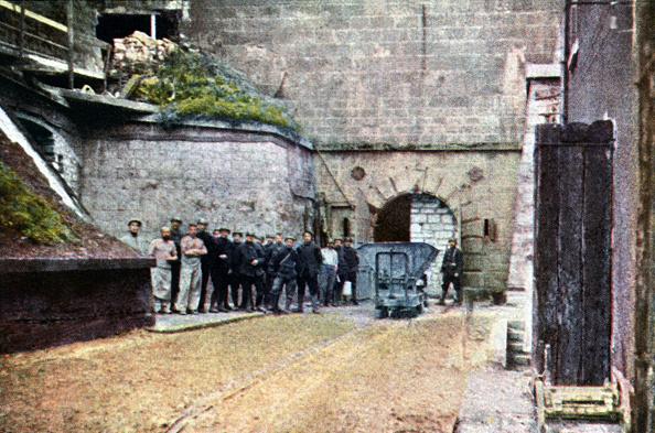 Color Image「Verdun Casemates」:写真・画像(16)[壁紙.com]