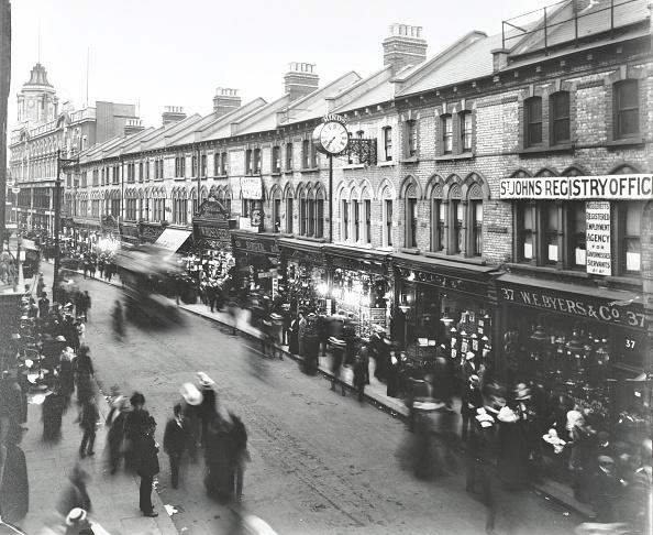 Clapham Junction「Busy Street Scene, St John'S Road, Clapham Junction, London, 1912」:写真・画像(9)[壁紙.com]
