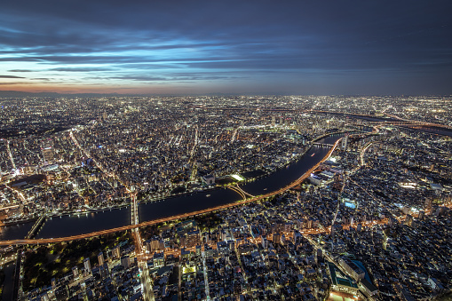 Wide Shot「Busy Streets in Tokyo and the view of Tokyo skytree / Tokyo, Japan」:スマホ壁紙(19)