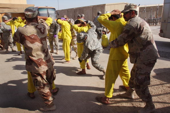 Camp Cropper「US Military Holds Thousands Of Detainees In Baghdad Prison」:写真・画像(17)[壁紙.com]
