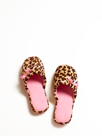 Side By Side「Leopard print slippers」:スマホ壁紙(13)