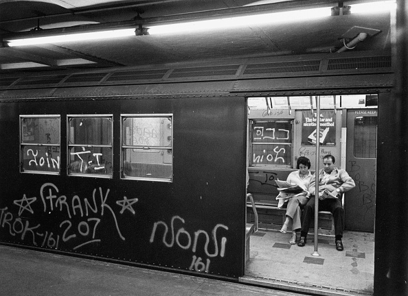 Graffiti「Subway Graffiti」:写真・画像(1)[壁紙.com]