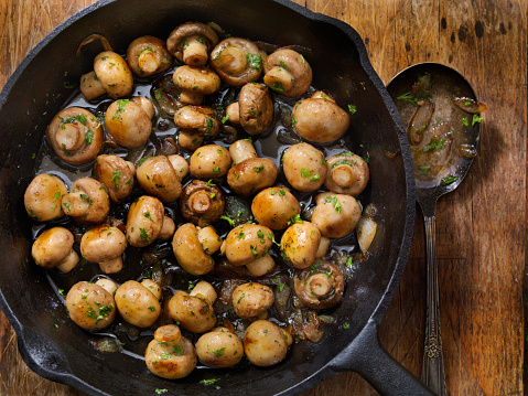 Roasted「Butter and Garlic Mushrooms with Onions」:スマホ壁紙(5)