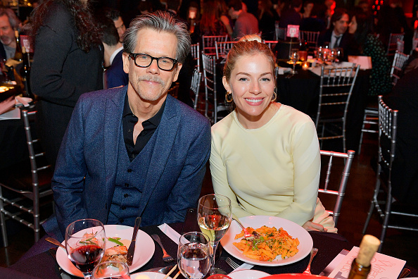 Sienna Miller「72nd Writers Guild Awards - New York Ceremony - Inside」:写真・画像(3)[壁紙.com]