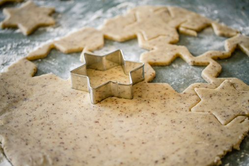 Pastry Cutter「Cutting out star shaped Christmas cookies」:スマホ壁紙(7)