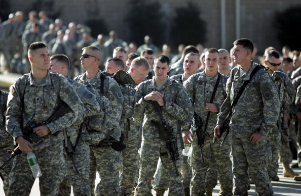 Middle East「Members Of The 82nd Airborne Deploy To Iraq」:写真・画像(1)[壁紙.com]