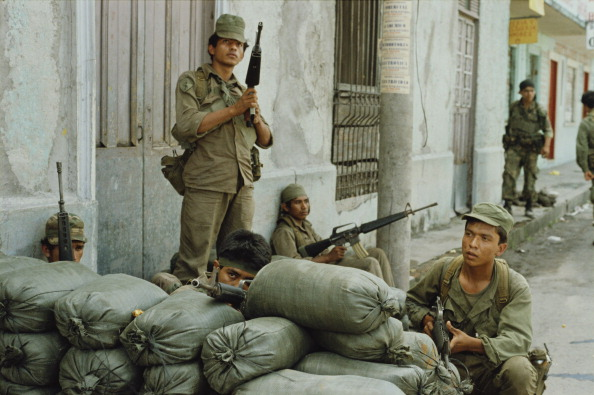 El Salvador「FMLN Offensive」:写真・画像(12)[壁紙.com]