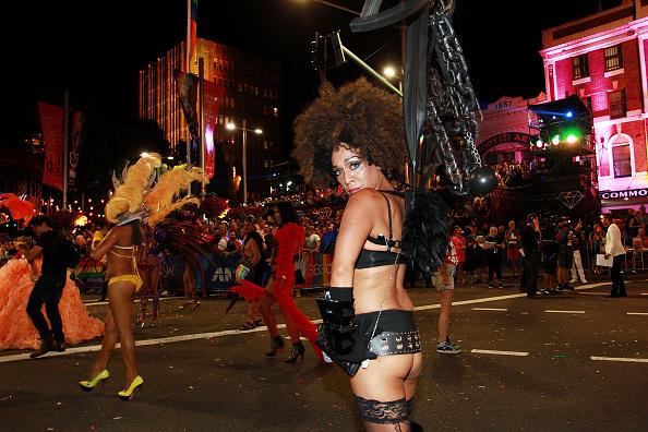 Oxford Street「Sydney Celebrates 37th Annual Sydney Gay & Lesbian Mardi Gras Parade」:写真・画像(1)[壁紙.com]