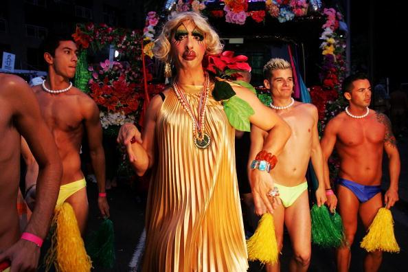 Oxford Street「Sydney Stages Annual Gay & Lesbian Mardi Gras Parade」:写真・画像(5)[壁紙.com]
