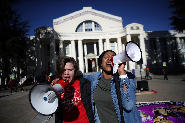 Instructor「Oakland Teachers Go On Strike」:写真・画像(15)[壁紙.com]