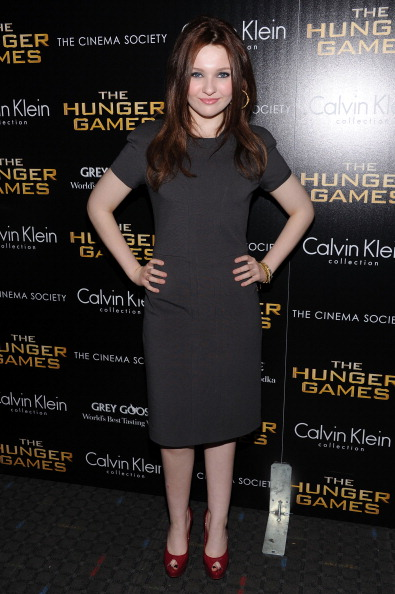 Abigail Breslin「The Cinema Society & Calvin Klein Collection Host A Screening Of 'The Hunger Games' - Inside Arrivals」:写真・画像(9)[壁紙.com]
