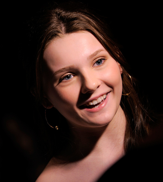 """Abigail Breslin「Broadway Opening Of """"The Miracle Worker"""" - After Party」:写真・画像(14)[壁紙.com]"""