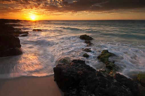 オアフ島「Sunset on the Kona-Kailoa Coast」:スマホ壁紙(12)