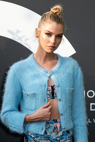 Sweater「Noir Et Blanc De Chanel - Fall-Winter 2019 Makeup Collection - Yachts De Paris」:写真・画像(1)[壁紙.com]