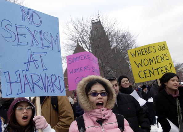 University「Students Protest Alleged Sexist Comments By Harvard President」:写真・画像(18)[壁紙.com]