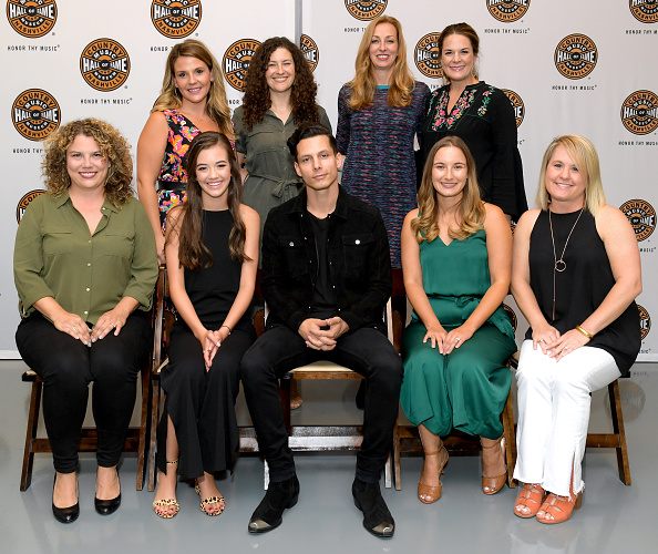 Southern USA「Country Music Hall of Fame and Museum Hosts Nightfall at the Hall with Devin Dawson」:写真・画像(8)[壁紙.com]
