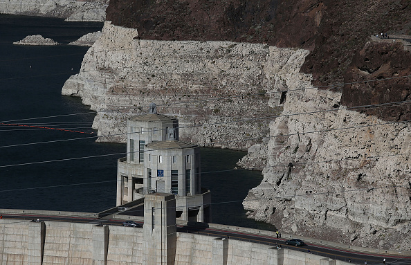 Surface Level「Lake Mead At Historic Low Levels Amid Drought In West」:写真・画像(19)[壁紙.com]