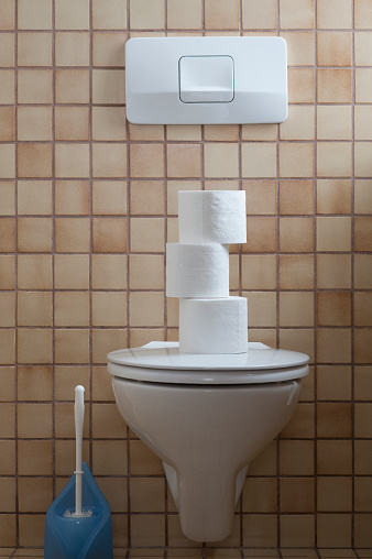 Toilet「Toilet with stack of toilet paper」:スマホ壁紙(18)