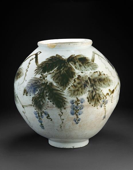 葉・植物「Vase With Grape Vine」:写真・画像(19)[壁紙.com]