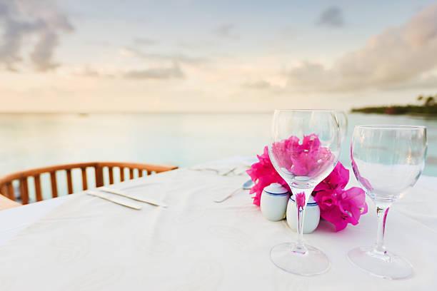 Dinner Table at Beach Luxury Holiday Resort:スマホ壁紙(壁紙.com)