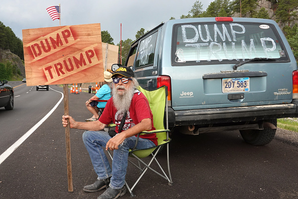 Keystone「Mount Rushmore National Memorial And Keystone, South Dakota Prepare To Host President Trump」:写真・画像(3)[壁紙.com]
