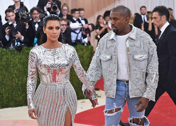 "Kim Kardashian「""Manus x Machina: Fashion In An Age Of Technology"" Costume Institute Gala」:写真・画像(15)[壁紙.com]"