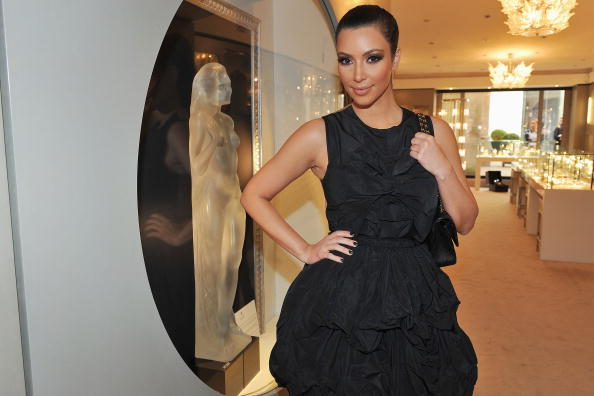Clothing Store「Kim Kardashian Sighting in Paris - September, 16th」:写真・画像(7)[壁紙.com]
