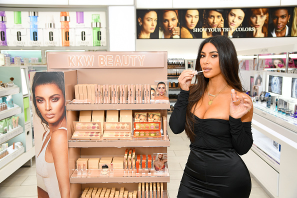 Kim Kardashian「KKW Beauty Launches At ULTA Beauty」:写真・画像(8)[壁紙.com]